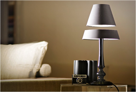 img_light_light_levitating_lamps