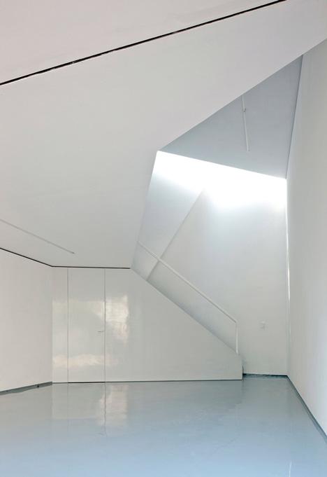 dezeen-ministudio-by-frentearquitectura-3