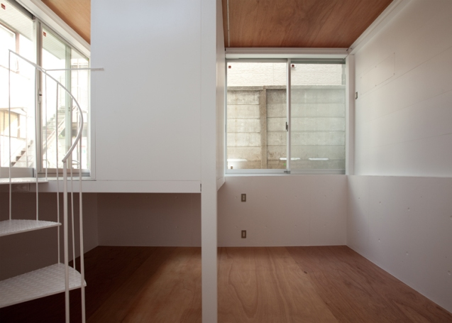 dezeen_Small-House-by-Unemori-Architects_ss_11