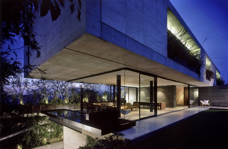 Interesting Modern House Design by Central de Arquitectura ...