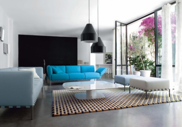 black-lamps-blue-white-sofas-665x465