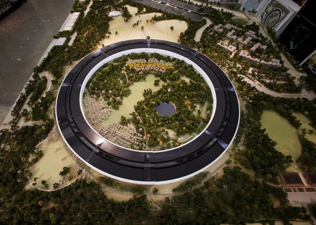 dezeen_Fosters-Apple-Campus-unanimously-approved_ss_1