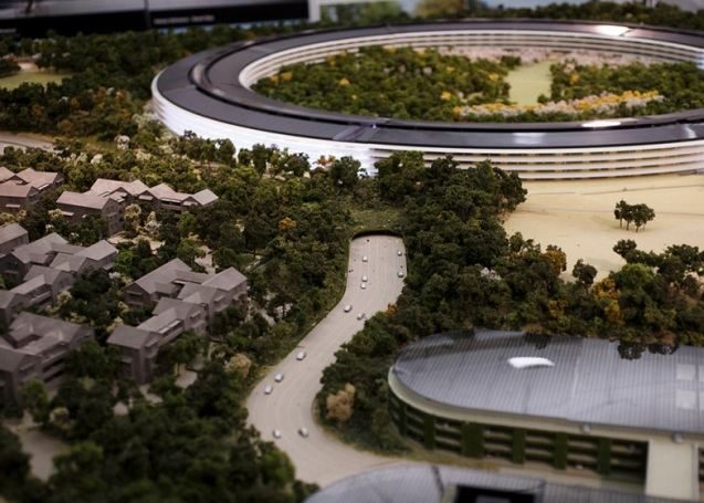 dezeen_Fosters-Apple-Campus-unanimously-approved_ss_13