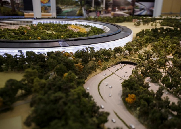 dezeen_Fosters-Apple-Campus-unanimously-approved_ss_3
