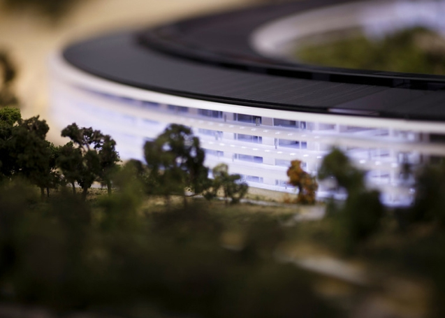 dezeen_Fosters-Apple-Campus-unanimously-approved_ss_5