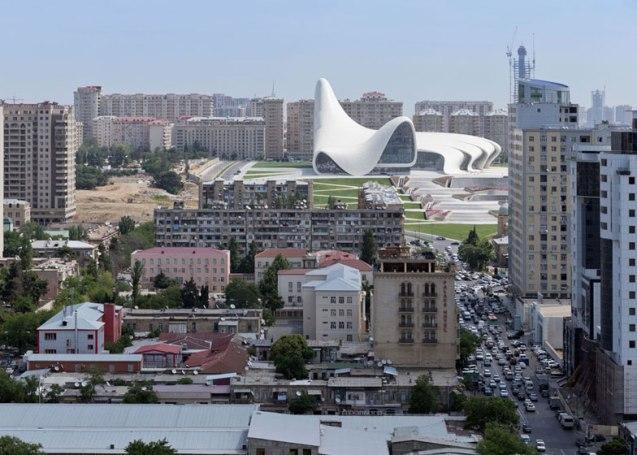 Heydar-Aliyev-Center-by-Zaha-Hadid_dezeen_ss_1