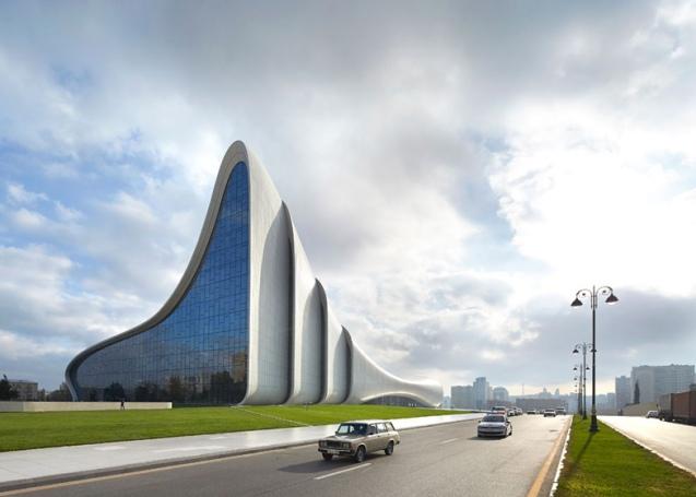 Heydar-Aliyev-Center-by-Zaha-Hadid_dezeen_ss_10